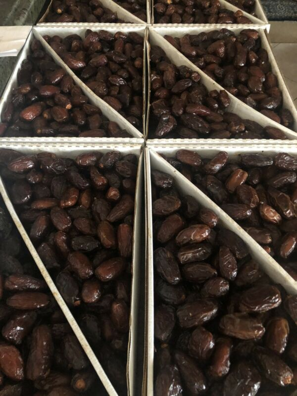 FRESH CALIFORNIA  MEDJOOL DATES-11LB-VERY SWEET AND JUICY.  NO CHEMICALS!
