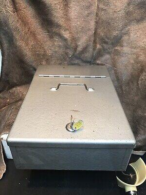 Vintage Metal Enamel Strongcash Box Woriginal Key Wcoin Tray. Great Condition