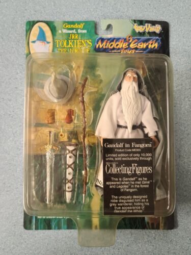 1998 Lord of the Rings GANDALF IN FANGORN Middle Earth Toys LOTR Toy Vault New