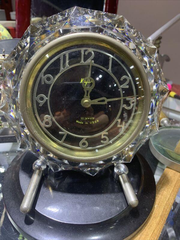 Russian USSR MAJAK Mantel Desk Clock Crystal & Bakelite 11 Jewel