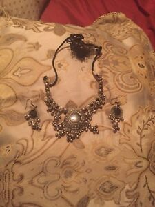 Indian necklace and earring set