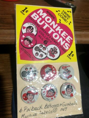 Complete 1967 Monkees Set of 6  Buttons/Pins w/Vending Machine Display Insert