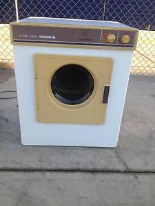 Simpson Duet 1200SR Dryer in perfect working condition. Brunswick Moreland Area Preview
