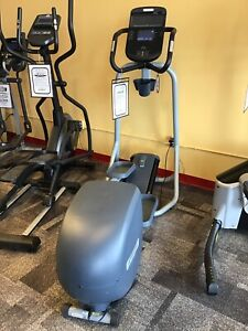 Precor EFX221 Elliptical Cross-trainer **FLOOR MODEL**