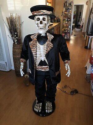 Gemmy Life Size 5ft Animated Singing Tuxedo Skeleton 2004