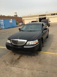 Lincoln Town Car - Signature Limited
