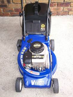 4 STROKE BRIGGS STRATTON,VICTA SERVICED LAWN MOWER.CATCHER. Runcorn Brisbane South West Preview