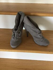 New Gray low Boots Shoes women's 9