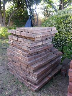 APPROX 400 PAVERS PAVING BRICKS PINK BROWN RED COLOUR 30C A BRICK Attadale Melville Area Preview