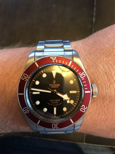 Tudor HERITAGE BLACK BAY 79220R Wrist Watch for Men - watch picture 1