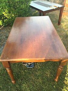 2x free dining tables Meadowbrook Logan Area Preview