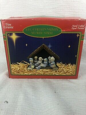 Nice Vintage Hand Painted Porcelain 11 Piece Nativity Set, Complete Wood Stable