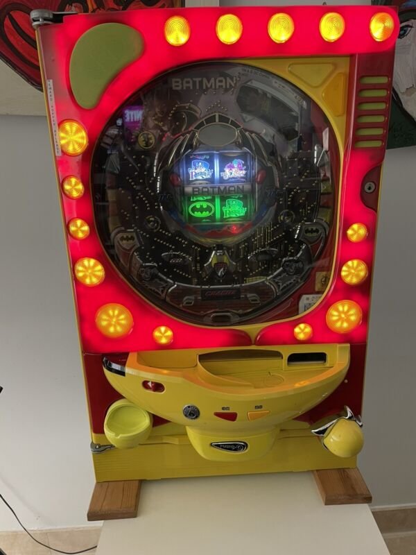 Authentic Japanese pachinko machine. Highly Collectible Batman Version