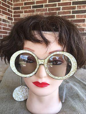 1960's Goldfinger Bond Girl Vintage Mod Sunglasses with Earrings on Chain GOLD](Bond Girl Costume)