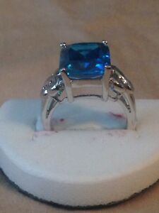 14K White Gold Natural Blue Sapphire Ring. Asking  Only $200.00