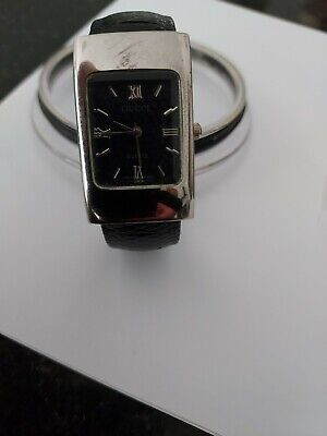 Ladies vintage Gucci swiss watch with snap band