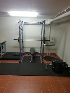 Cage gym with incline bench Sylvania Sutherland Area Preview