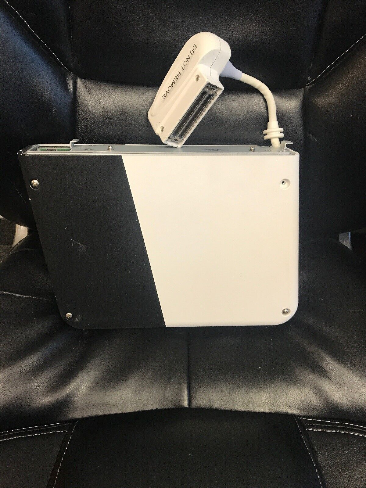 USED GE LOGIQ E PORTABLE ULTRASOUND 3-PROBES BOX ASSEMBLY MODEL 5423182
