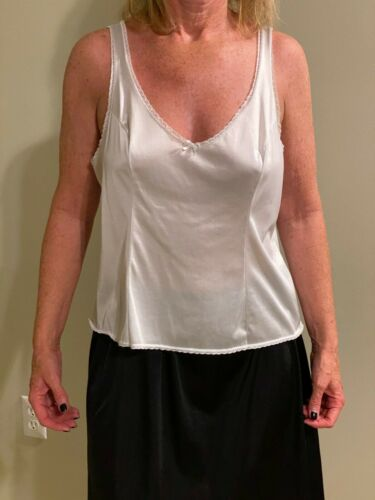 Vassarette Silky White Cami Camisole with lace Silky Size Large