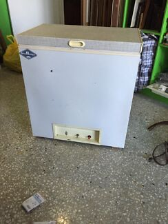 Fridge/gas & electricity  Hendra Brisbane North East Preview
