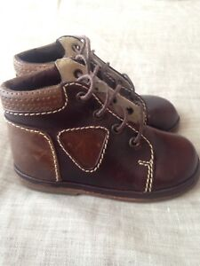 Like new leather baby shoes, size 4, $10