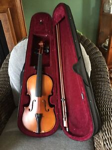 Violin, Case and Bow. (Full size)