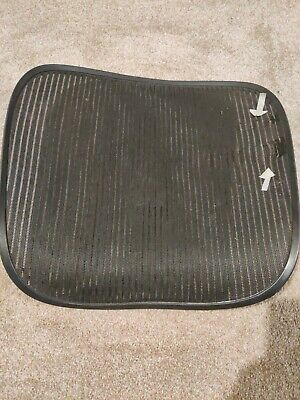Herman Miller Aeron Chair Seat Mesh Black Pellicle W Blemish Size C Large 222