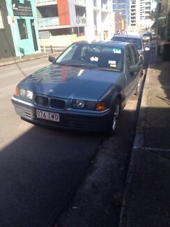 1994 BMW 318i automatic sedan. Waterloo Inner Sydney Preview