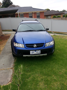 Holden  commodore  Vz  adventra  in  very  good  condition  come Westmeadows Hume Area Preview