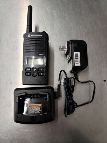 Motorola RDU2080D - UHF Includes Battery & Charger