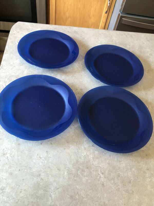 "Tupperware Open House Blue 8"" Plates set of 4 EUC! Used once soft plastic"