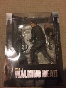 Deluxe Limited Edition 25CM Figgure Walking Dead Series (DARYL DIXON) Churchill Ipswich City Preview