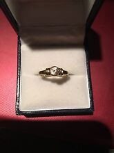 9ct gold Ring size J Albury Albury Area Preview