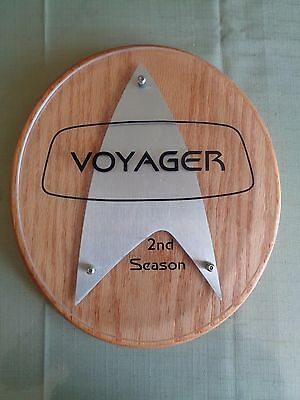 Star Trek Voyager Cast Crew Plaque 2nd Season Mint Condition