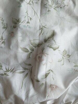Vintage curtains white floral 108x150cm stunning  excellent condition