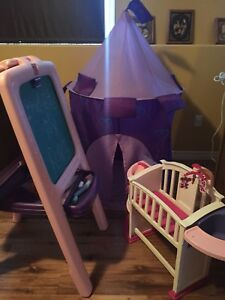 Easel, tent & doll bed set