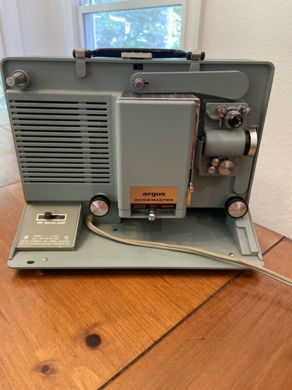 ARGUS SHOWMASTER 500-A PROJECTER 8MM With instruction
