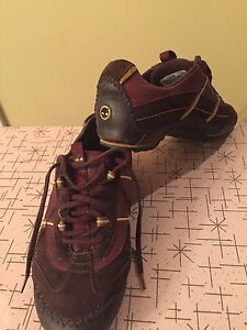 Size 7 timberland leather sneakers