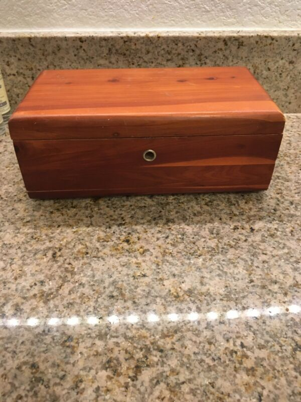 Lane Cedar Trinket Box In Fair Condition Fairbanks Alaska