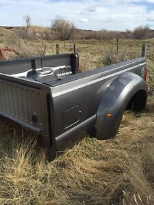 2011 Ford Dually box w/tailgate