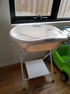 Baby bath tub and stand Burnside Melton Area Preview