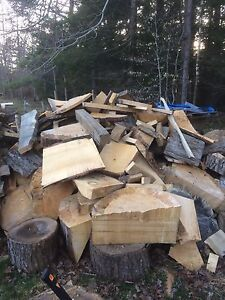 Free dry scrap wood ***HAS BEEN PICKED UP***
