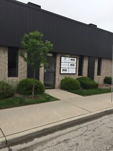 3 OFFICE UNIT IN NEWLY RENOVATED UNIT $1100 PER MONTH!