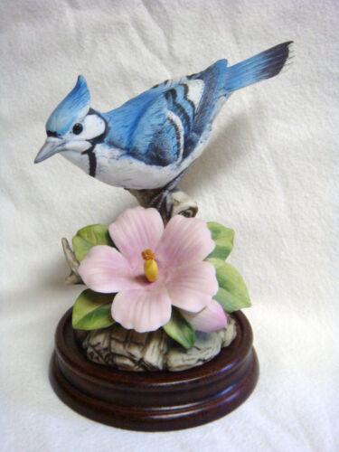 Andrea by Sadek Japan BLUE JAY Porcelain Figure w/ Wooden Base #9386 - PERFECT