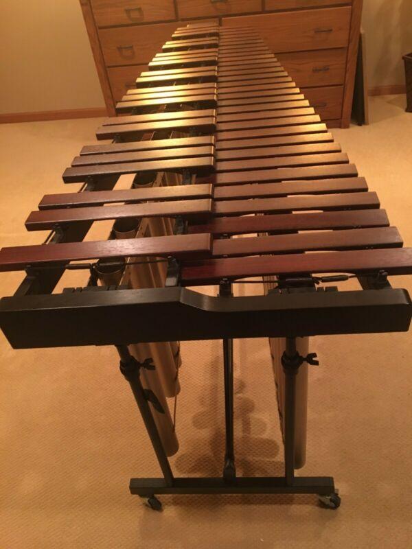 Yamaha 4 1/3 Octave Marimba