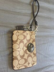 Coach wristlet wallet (kaki brown/sand colour)
