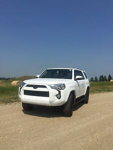 2016 Toyota 4Runner sr5 3rd row