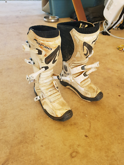 Motocross boots size euro 45