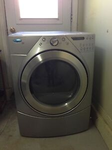Front load dryer/ sécheuse frontale whirlpool Duet