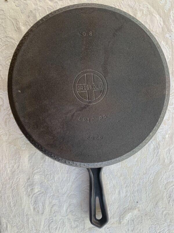 Vintage GRISWOLD Hammered Cast Iron Hinged Skillet No 8  2028  Chicken Fryer